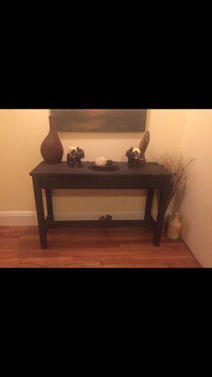 Console Table 47L x 17W x 31H for Sale in Revere, MA