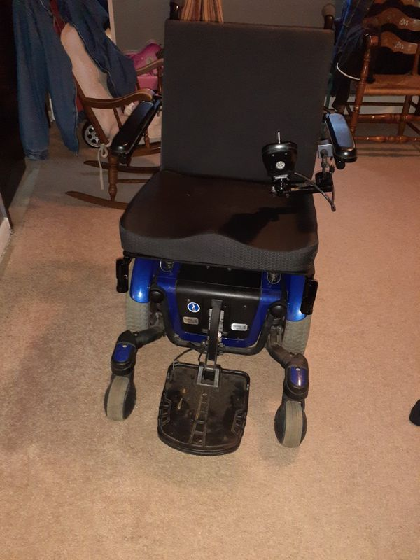 Electric wheel chair with remote