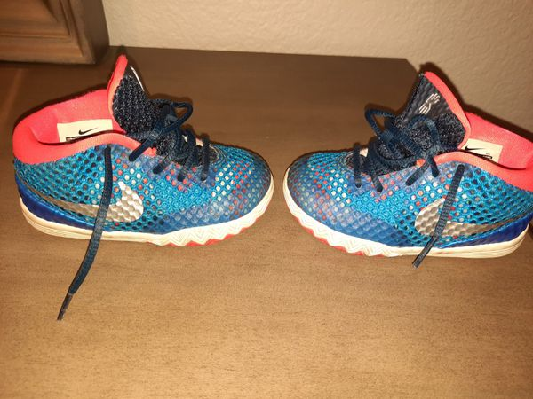 Nike Size 7 Toddler Shoes