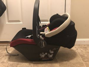 Peg prego car seat and base for Sale in Etna, OH