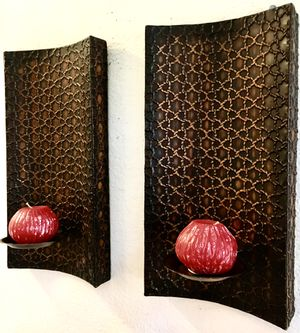 Set 2 wall metal art candle holders H16xW8.5xD5 inch LbsSet 2.4 for Sale in Chandler, AZ