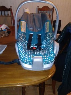 Blue Infant Car Seat for Sale in Madisonville,  TN