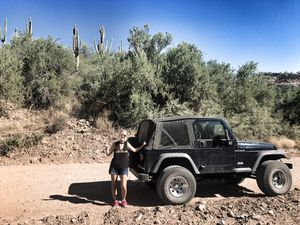 2003 Jeep Wrangler $8000 6 cyl for Sale in Peoria, AZ