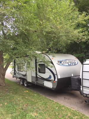 2014 Salem Cruise Lite 241QBXL for Sale in Des Moines, IA