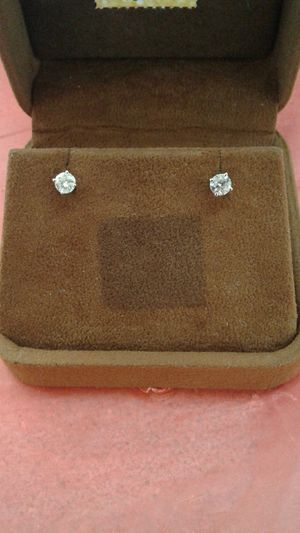 10 Kt Diamond double Earrings for Sale in Abilene, TX