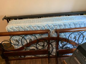 NEED GONE ASAP!! Twin day/trundle with mattresses for Sale in Auburn, WA