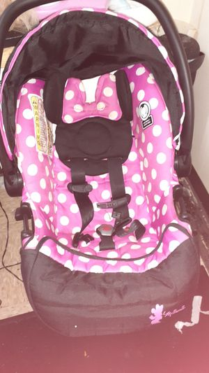 Minnie mouse infant car seat with booster for Sale in Nashville, TN