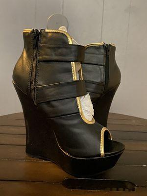 Gold Buckle Women's Dress Boot Black Size 6.5 for Sale in Fullerton, CA
