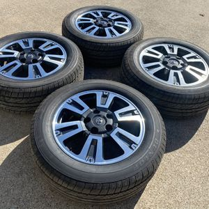 "20"" Toyota Tundra Wheels And Tires Like New for Sale in Bedford, TX"