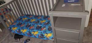 4 - 1 crib/toddler bed/ changing table for Sale in Houston, TX