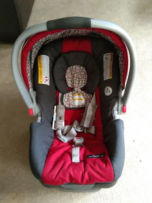 Graco car seat with click connect base for Sale in NY, US