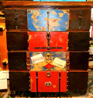Large Travelin Man Dresser for Sale in Cadillac, MI