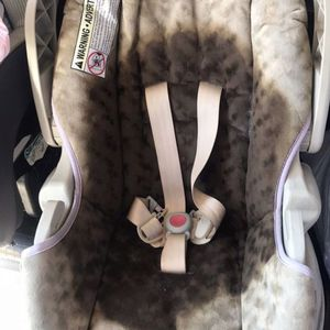 GRACO BEIGE CAR SEAT 💺 for Sale in Rancho Cucamonga, CA