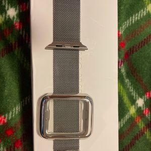 New Applewatch Milanese Band Series1,2,3,4- 42 Mm for Sale in Grand Island, NY