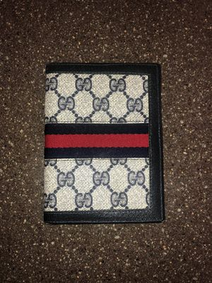 Authentic Gucci wallet for Sale in Hawthorne, NJ