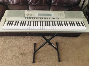 Working Casio wk-200 music keyboard for Sale in Lake Forest, CA