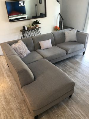 Avery Living Spaces Sectional Couch for Sale in Peoria, AZ