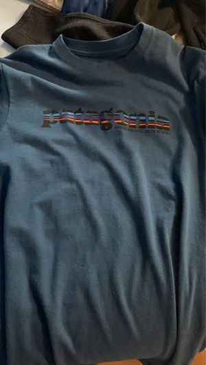 2 Patagonia shirts plus 1 Patagonia zip up sweater for Sale in Davie, FL