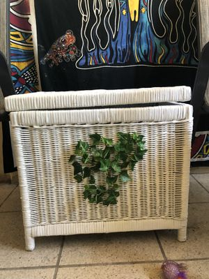 Wicker box for Sale in Largo, FL