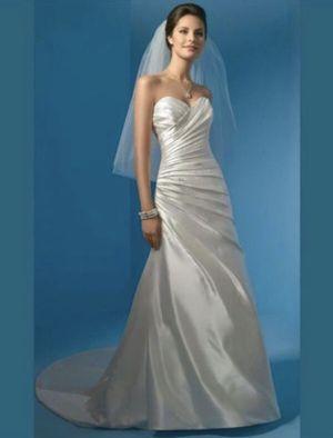 Vestido de novia ( wedding dress) Size Small for Sale in San Bernardino, CA