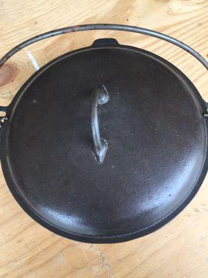 Favorite Piqua Ware #8 Cast Iron Dutch Oven for Sale in Hamilton, OH