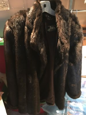 Donna Saylers' Fabulous Furs for Sale for sale  Middletown, NJ