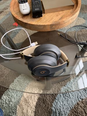 Beats Studio 3 Noise cancelling headphones, Mint limited edition! for Sale in Lakewood, CO
