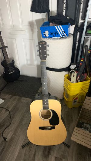 FENDER STARCASTER ACOUSTIC GUITAR $20 for Sale in Los Angeles, CA