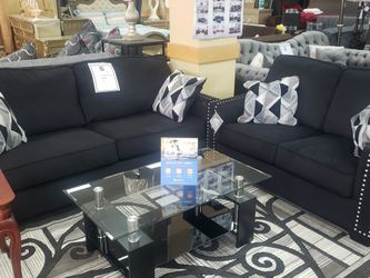 4pc Sofa,loveseat,table And Rug for Sale in Hamtramck,  MI