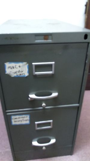 2 drawer filing cabinet. for Sale in Pittsburgh, PA