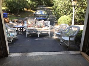 (5) piece Wicker Funiture Set. for Sale in Potomac, MD