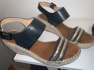 6 pair women's shoes. Zapatos de mujer for Sale in Mesquite, TX