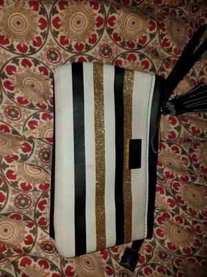 Betsy john wristlet purse for Sale in Las Vegas, NV