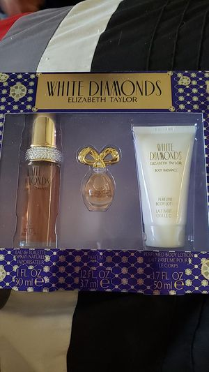 Perfume and Lotion Gift Set for Sale in Kansas City, MO
