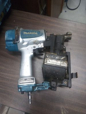 Makita roofing nail gun for Sale in Victorville, CA
