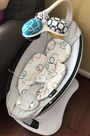 4Moms mamaRoo 4 Bluetooth for Sale in Kissimmee, FL