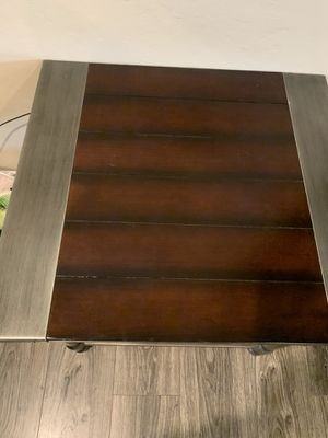 Coffee table and one end table for Sale in Fresno, CA