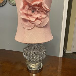Console Table / Pink Lamp for Sale in Lincoln Park, MI