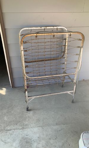 Bed frame. for Sale in Toppenish, WA