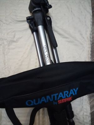 Quantaray 9500 tripod. for Sale in Renton, WA