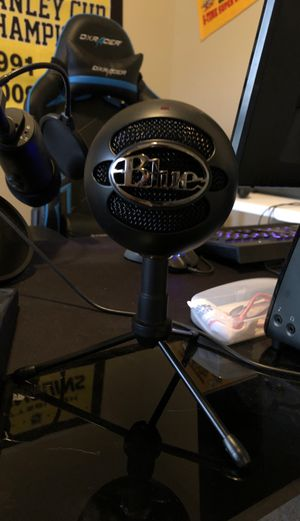 Blue Snowball Microphone for Sale in Fountain, CO