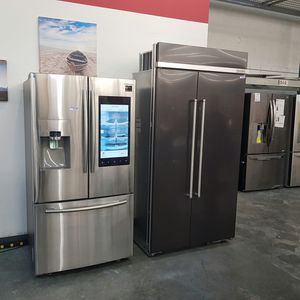 SAMSUNG Family Hub Screen Panel 3Door French Refrigerator for Sale in Ontario, CA