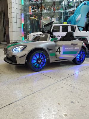 Mercedes Benz remote control and kids can drive for Sale in San Bernardino, CA