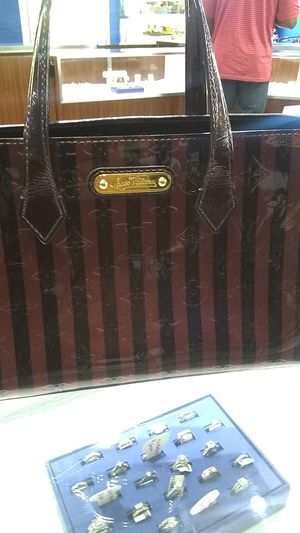 Louis Vuitton Wilshire bag for Sale in Raleigh, NC