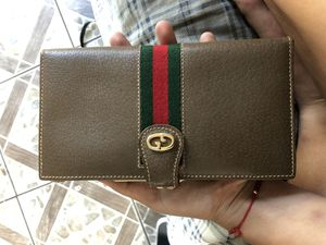 AUTHENTIC VINTAGE GUCCI WALLET for Sale in Encinitas, CA