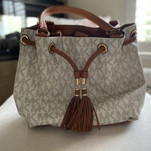 Michael Kors Jet Set Tote Large for Sale in Henderson, NV