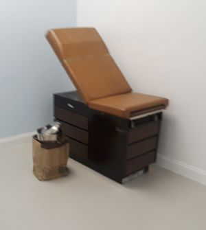 Examination table , doctors , medical equipment. for Sale in Miami, FL