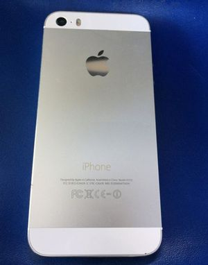 iPhone 5 16GB white or black Unlocked excellent condition for Sale in North Miami Beach, FL