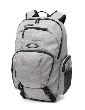 New Oakley Wet/Dry Backpack, Gray for Sale in Lake Forest, CA