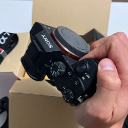 Sony A7iii (body only) for Sale in Miami,  FL